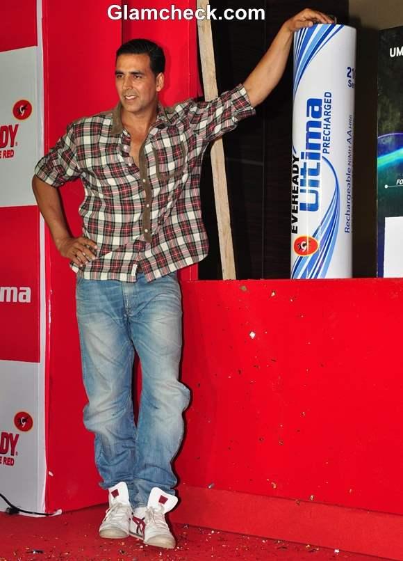 Akshay Kumar 2013 Eveready Ultima Power Batteries Launch
