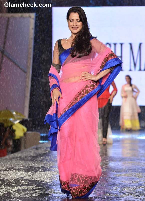 Amisha Patel at 8th Annual Caring at a Style Fashion Show