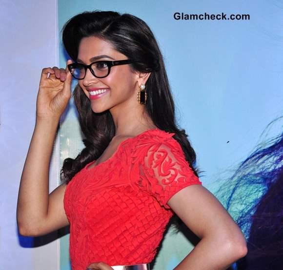 Deepika Padukone Unveils New Vogue Eyewear in Mumbai