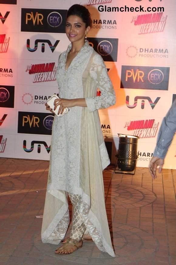 Deepika Padukone at the Premiere of Yeh Jawaani Hai Deewani