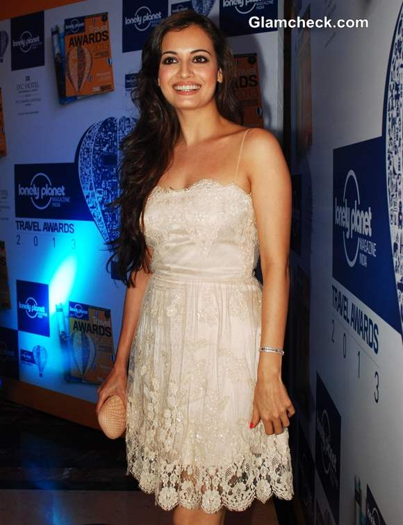 Dia Mirza Dainty Lace Dress at Lonely Planet Awards 2013