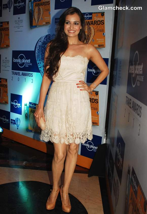 Dia Mirza Off-White Lace Dress at Lonely Planet Awards 2013