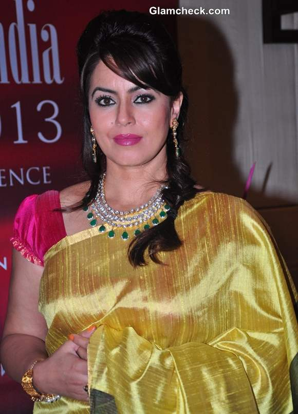 Mahima Chaudhry Graces Jeweller India Awards 2013