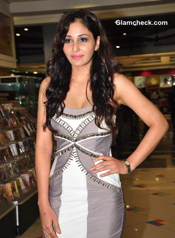 Pooja Chopra Movie Commando
