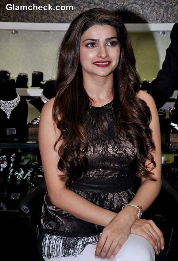 Prachi Desai 10 Jewel Store Launch