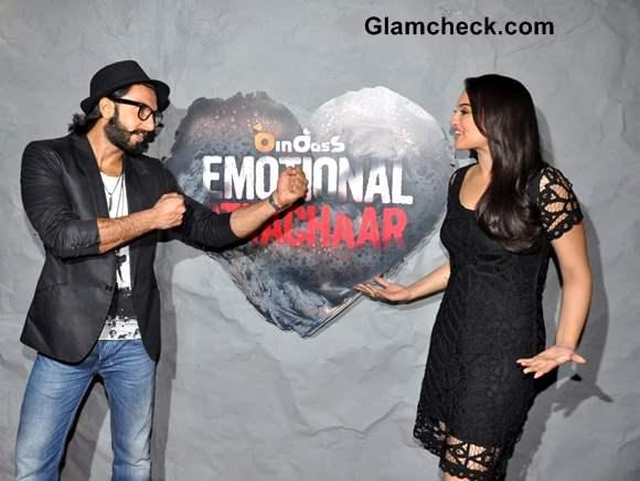 Ranveer Singh Sonakshi Sinha Promote Lootera on Emotional Atyachaar 4