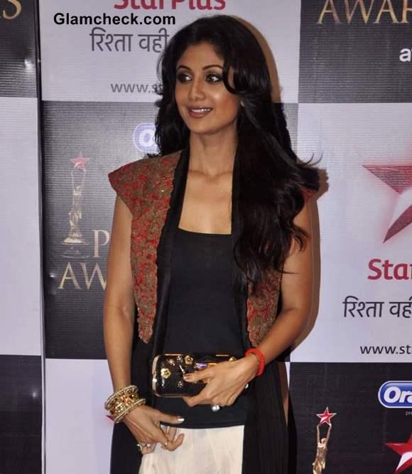 Shilpa Shetty Outfit at Star Parivaar Awards 2013