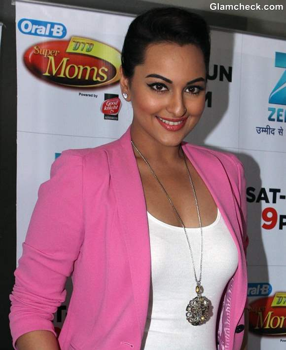 Sonakshi Sinha 2013 in Candy Pink Pantsuit