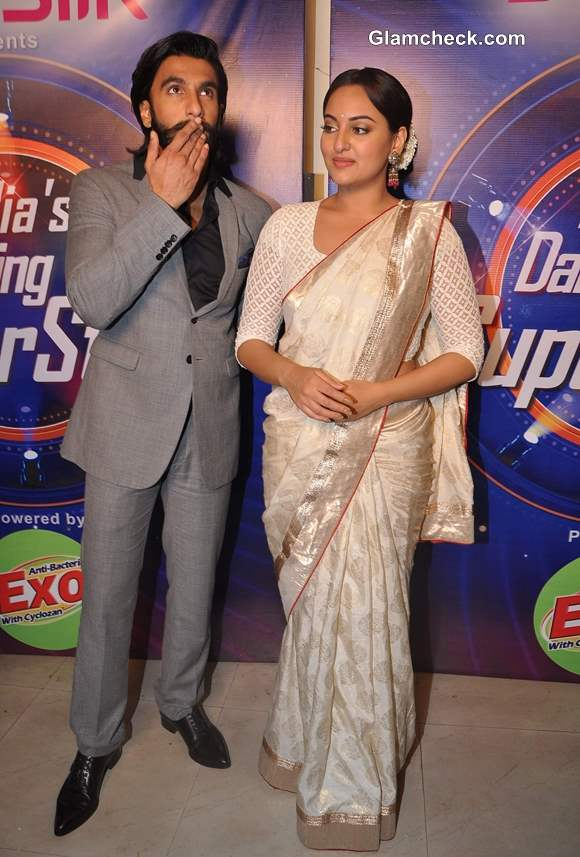 Sonakshi Sinha Ranvir Singh Promote Lootera  Indias Dancing Superstar