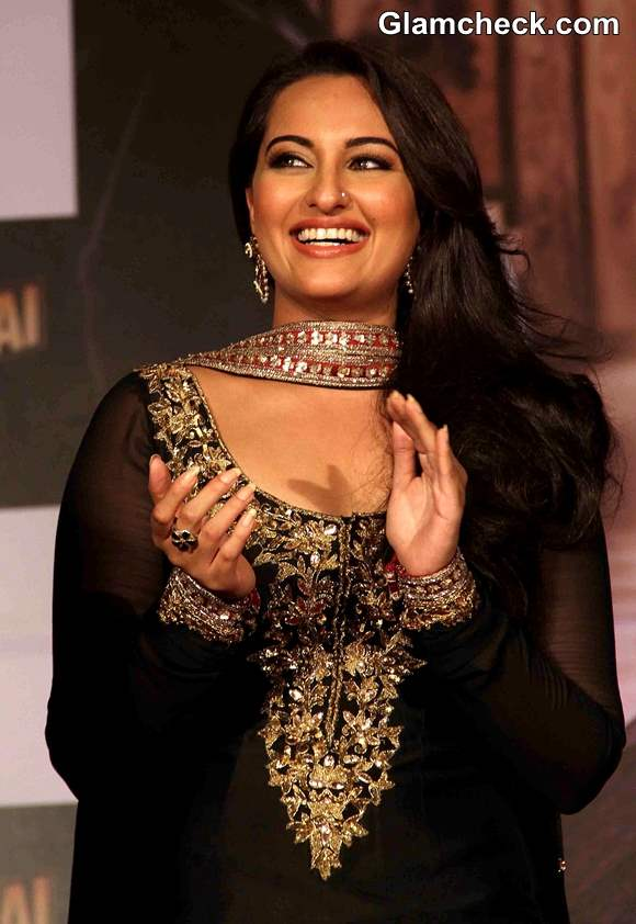 Sonakshi Sinha look in Once Upon a Time in Mumbaai Again