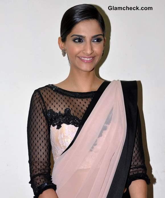 Sonam Kapoor 2013 sari