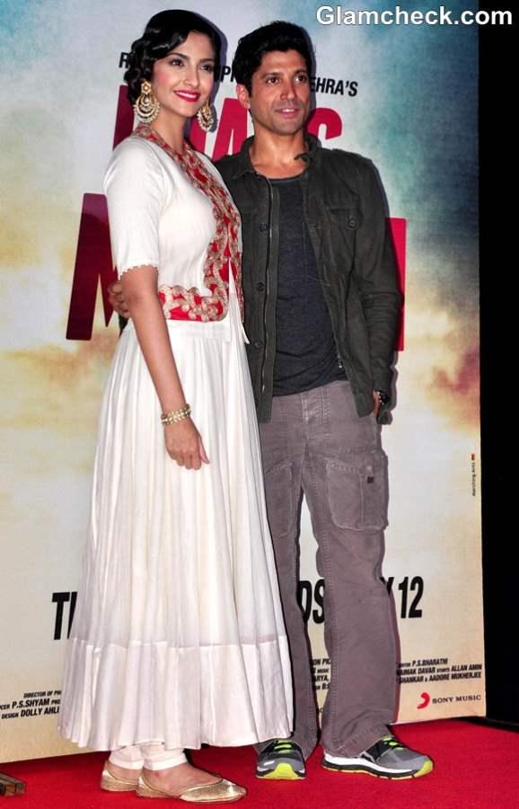 Sonam Kapoor Farhan Akhtar Launch Theatrical Trailer Music of Bhaag Milkha Bhaag