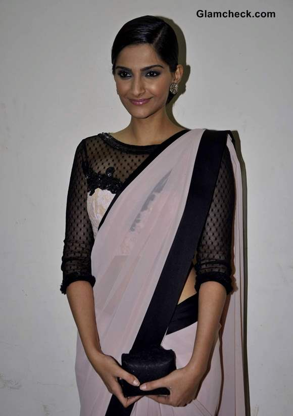 Sonam Kapoor Pink Sari at Bhaag Milkha Bhaag Promo