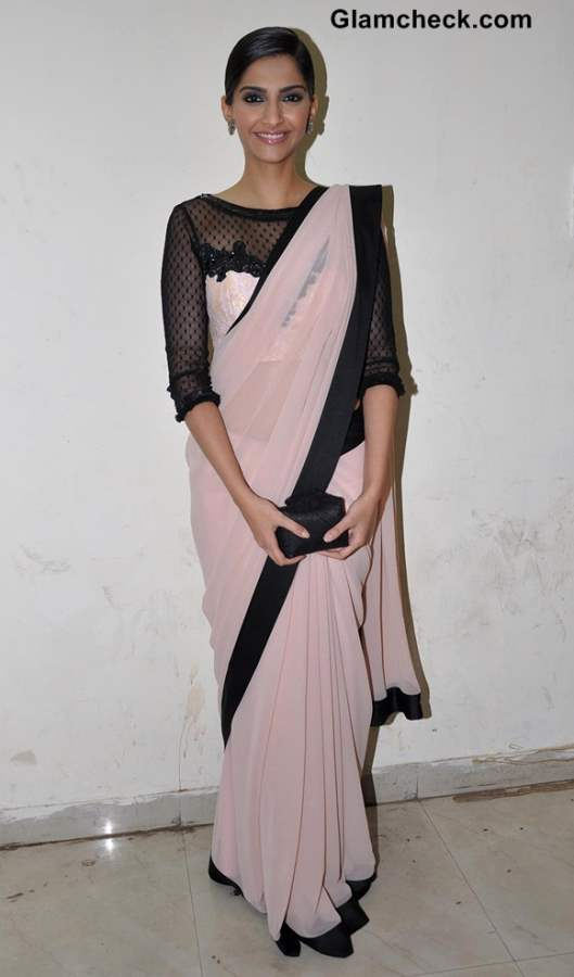 Sonam Kapoor in Pink Sari at Bhaag Milkha Bhaag Promo