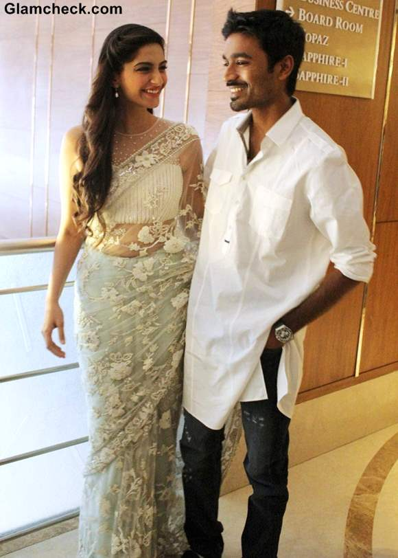 Sonam Kapoor in White Lace Sari at Raanjhanaa Press Meet