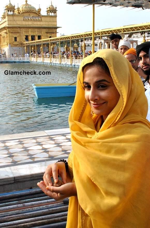 Vidya Balan Visits Golden Temple While Promoting Ghanchakkar
