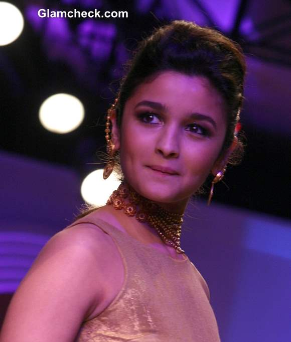 Alia Bhatt The Azva Show India Bridal Fashion Week 2013