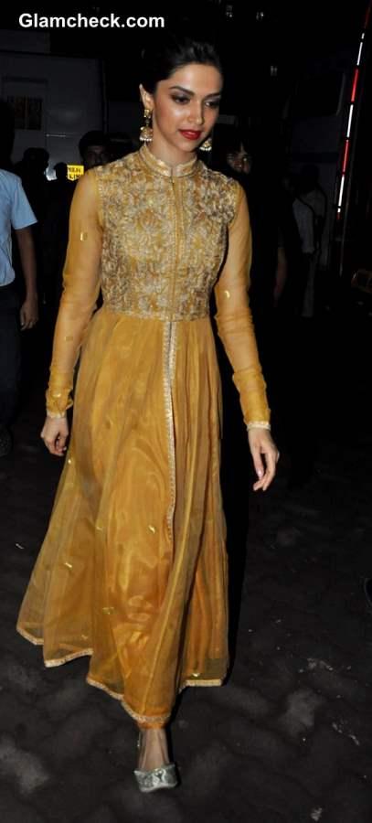 Deepika Padukone Golden anarkali suit 2013