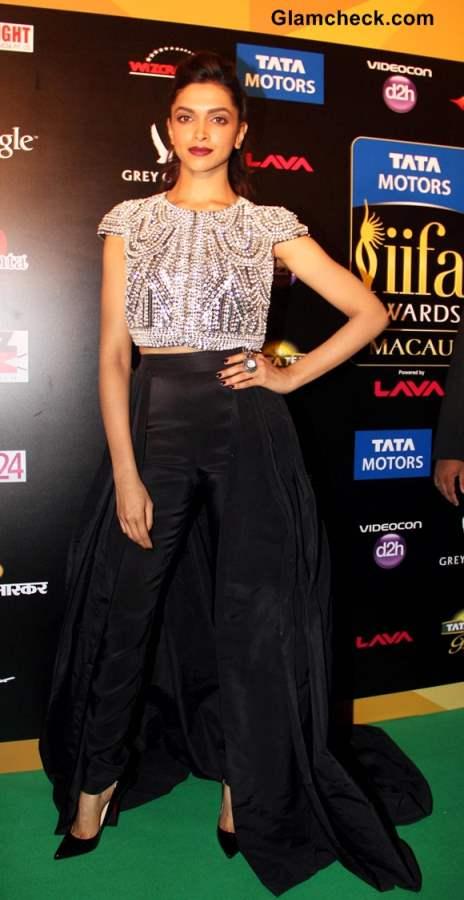 Deepika Padukone at IIFA Rocks 2013
