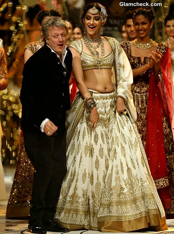 India Bridal Fashion Week 2013 Rohit Bal Sonam Kapoor