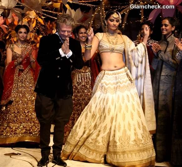 India Bridal Fashion Week 2013 Sonam Kapoor for Rohit Bal