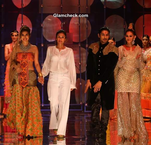 India Bridal Fashion Week 2013 Sophie Choudhary Prateek Babar and Amyra as the showstoppers for Rina Dhaka Collection