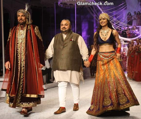 India Bridal Fashion week 2013 JJ Valaya day 1 Kangana Ranaut  Kabir Bedi showstoppers