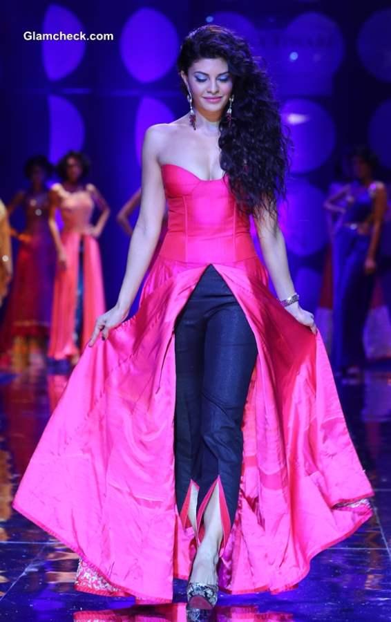 Jacqueline Fernandez India Bridal Fashion Week 2013 Jyotsana Tiwari