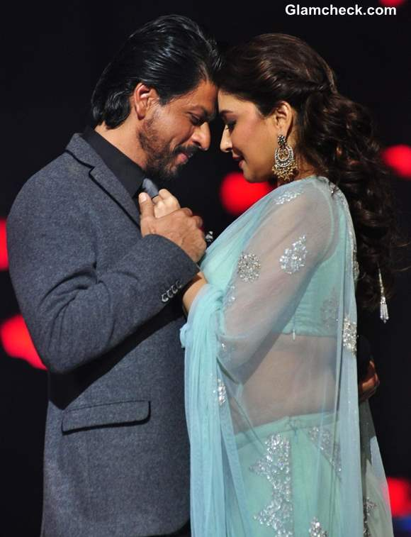 "Madhuri Dixit & Sharukh Khan Reunite on ""Jhalak Dikhla Ja"""