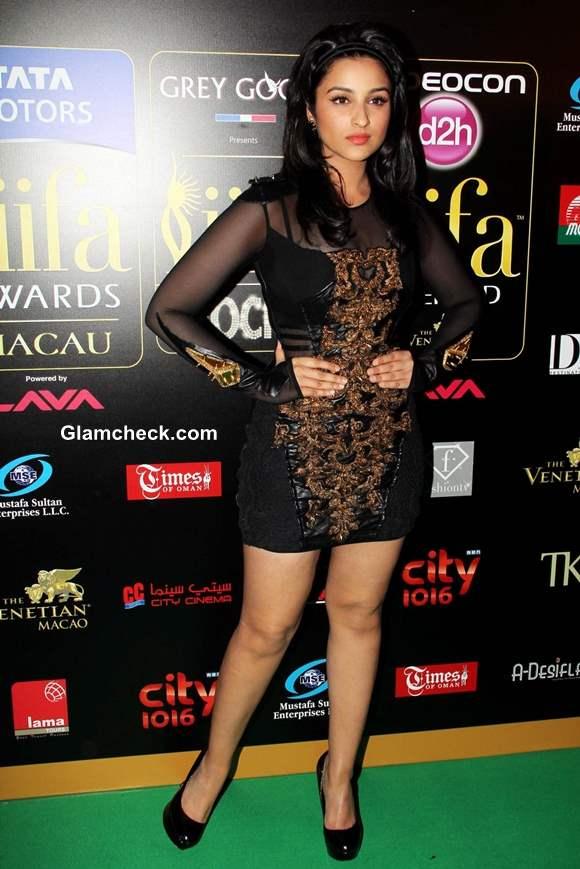 Parineeti Chopra at IIFA Rocks 2013