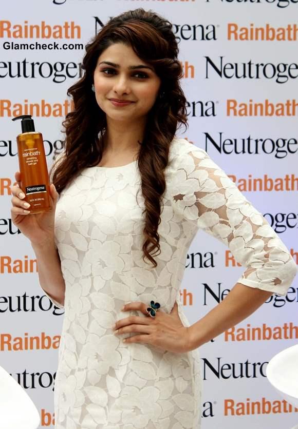 Prachi Desai 2013 Launches Rainbath Refreshing Shower Bath Gel