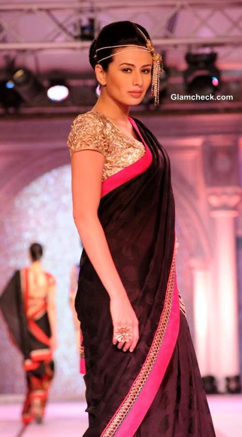 Rajguru Fashion Parade 2013 Bangalore-2