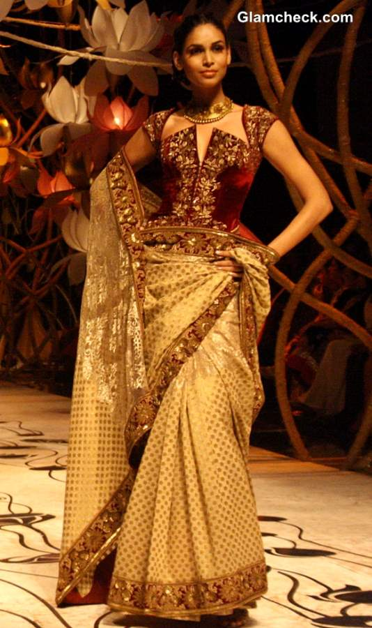 Rohit Bal India Bridal Fashion Week 2013 show