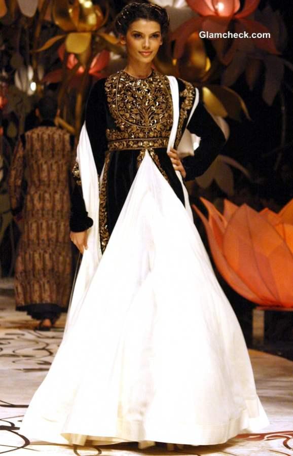 Rohit Bal show at India Bridal Fashion Week 2013