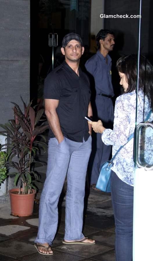 Sharman Joshi arrives to meet Hirthik Roshan at a city hospital in Mumbai