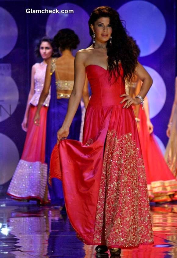 Showstopper Jacqueline Fernandez India Bridal Fashion Week 2013 Jyotsana Tiwari