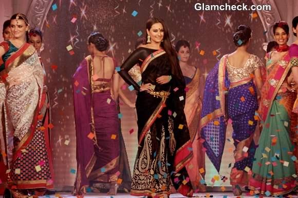 Sonakshi Sinha Rajguru Fashion Parade 2013 Bangalore