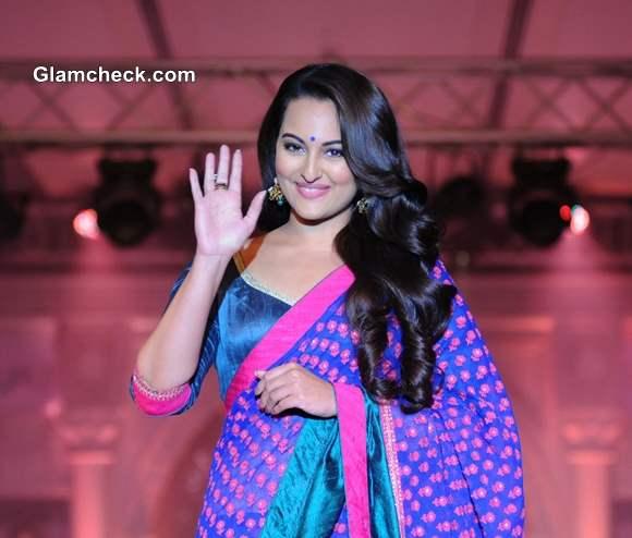 Sonakshi Sinha at Rajguru Fashion Parade Showcased in Bangalore