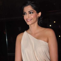 Sonam Kapoor 2013 pictures Bhaag Milkha Bhaag Success Party