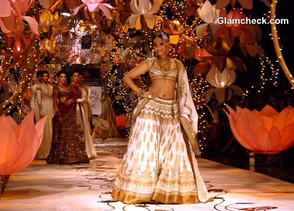 Sonam Kapoor at India Bridal Fashion Week 2013 Day 4 Rohit Bal
