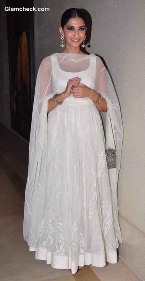 Sonam Kapoor in white anarkali suit 2013 at Success Party of Raanjhanaa