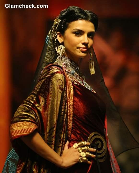 Suneet Varma bridal wear India Bridal Fashion Week 2013