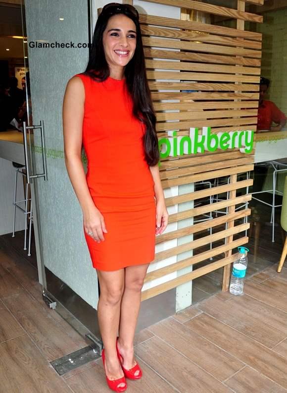 Tara Sharma 2013 Launches Pinkberry in Mumbai