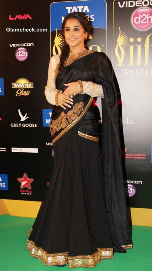 Vidya Balan in Black Sari at IIFA Rocks 2013