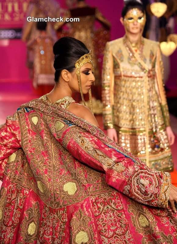 2013 Delhi Couture Week Ritu Beri show