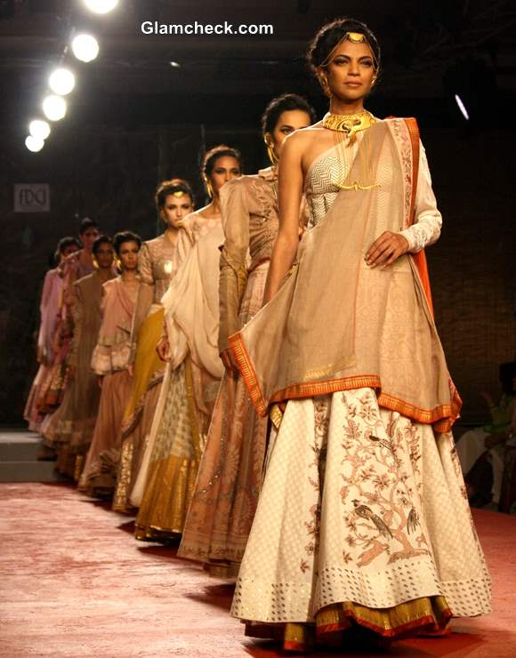 Anju Modi Collection at Delhi Couture Week 2013 Day 1