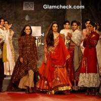Anju Modi show at the Delhi Couture Week 2013