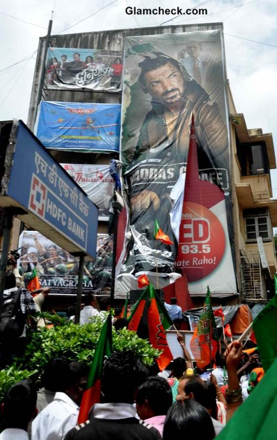 BJP activists protesting against  `Madras Cafe movie