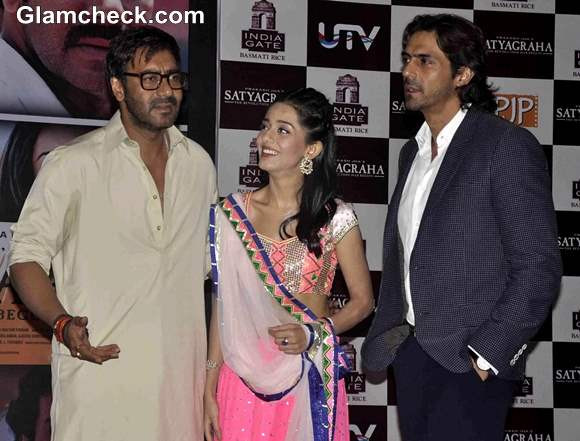 Cast of Satyagraha promotes movie