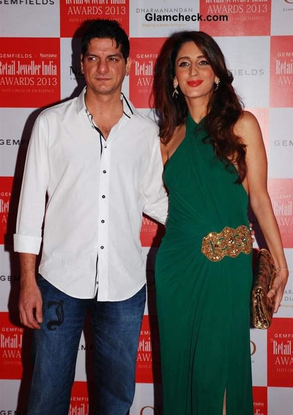 DJ Aqeel Ali with wife Farah Ali Khan at Retail Jeweller India Awards 2013